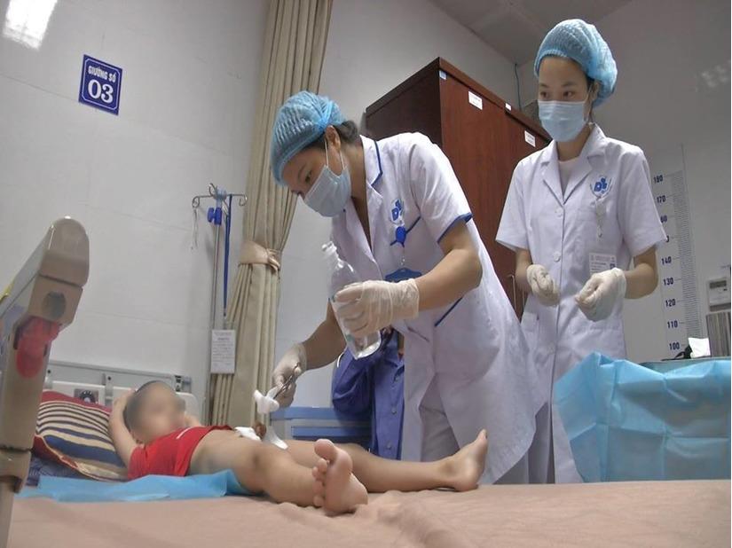 Hơn 100 trẻ mắc bệnh sùi mào gà khi khám tại cơ sở khám bệnh của bà Hiền