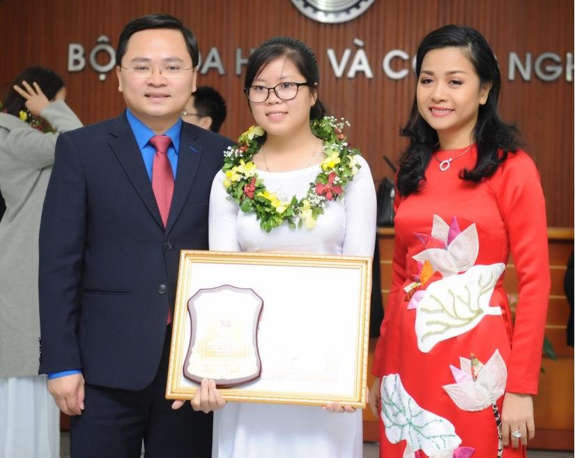 Tân Hiệp Phát và giải thưởng KHCN Thanh niên Quả Cầu Vàng 3