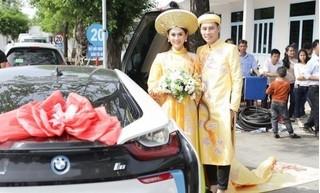 Chồng Lâm Khánh Chi mang xế sang 7 tỷ đến đón dâu