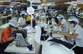 Từ 1/1/2018, 3000 lao động nữ nghỉ hưu sẽ bị mất 10% lương