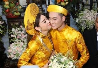 Trải qua 3 lần đám cưới hụt, cuối cùng Lâm Chí Khanh cũng hạnh phúc