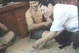Thanh Hóa: Phạt 7,5 triệu đồng nhóm cán bộ xã đánh bạc tại trụ sở