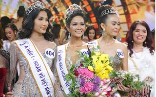Hoàng Thuỳ nghẹn ngào khi nói về chiến thắng của H'Hen Niê