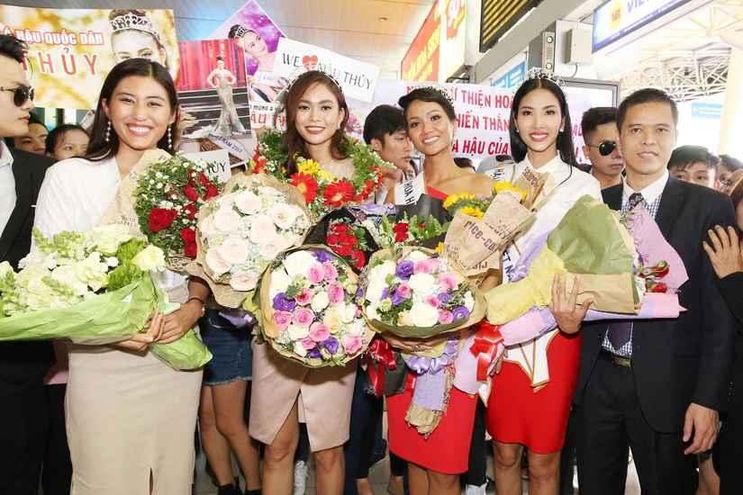Hoa hậu H'Hen Niê và hai Á hậu rạng rỡ, thu hút tại sân Tân Sơn Nhất 4