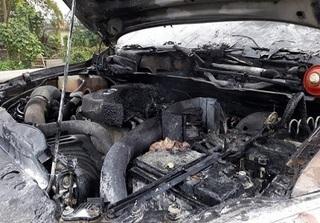 Nghệ An: Đang chạy trên đường, Mazda BT50 bất ngờ bốc cháy dữ dội