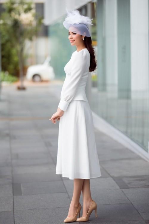 Hoa hậu Phạm Hương – Nữ hoàng váy trắng showbiz Việt 5