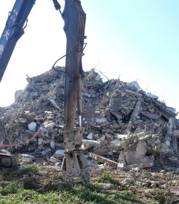 """Tòa """"Keangnam Tây Bắc"""" bị đánh sập hoàn toàn sau một tuần phá hủy 2"""