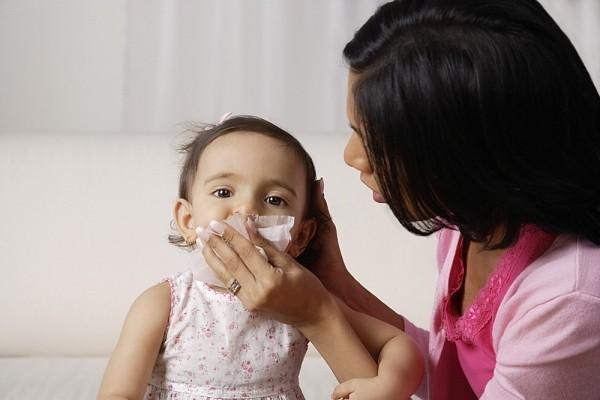 Chữa cảm cúm ở trẻ nhỏ chỉ bằng một nhúm kinh giới, tía tô