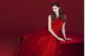 Hoa hậu Phạm Hương rực rỡ, kiêu sa trong loạt đầm đỏ