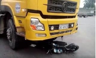 Bắc Ninh: Người phụ nữ tử vong sau khi bị xe tải kéo lê hàng chục mét
