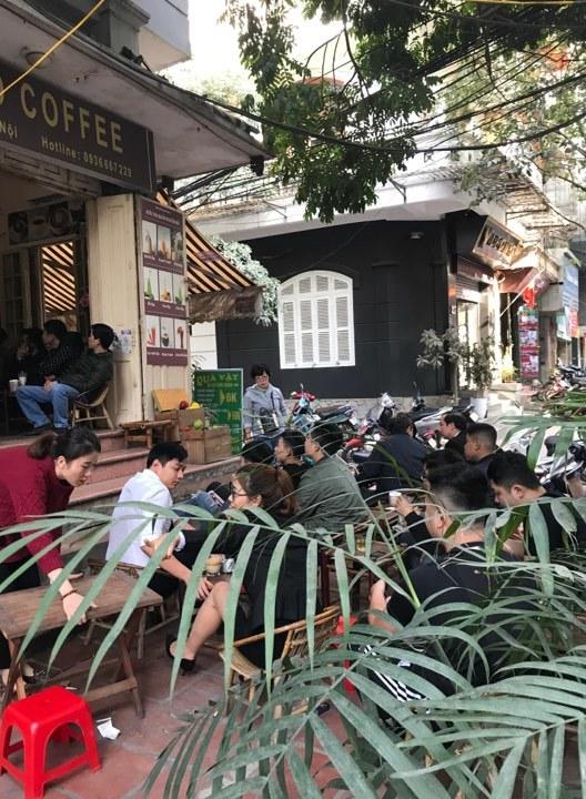 Sinh viên, dân công sở tụ tập xem trận đấu của U23 Việt Nam6