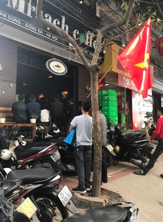 Sinh viên, dân công sở tụ tập xem trận đấu của U23 Việt Nam7
