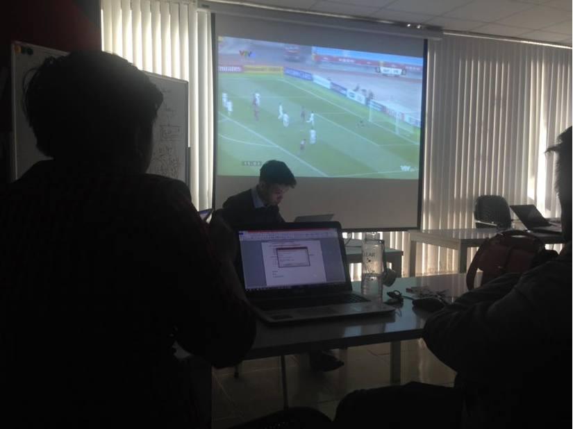 Sinh viên, dân công sở tụ tập xem trận đấu của U23 Việt Nam4