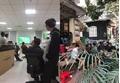 Sinh viên, dân công sở tụ tập xem U23 Việt Nam trong giờ hành chính