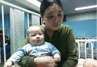 Bác sỹ nói gì về bé trai 3 tháng tuổi có trái tim nằm bên phải?