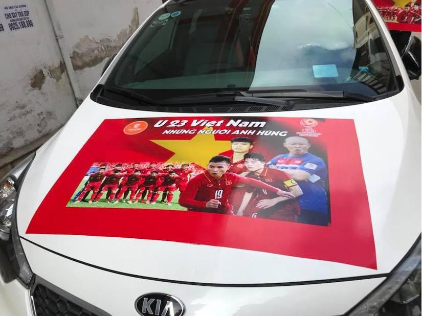 Dàn xe ô tô trang trí ủng hộ U23 Việt Nam vô địch 10