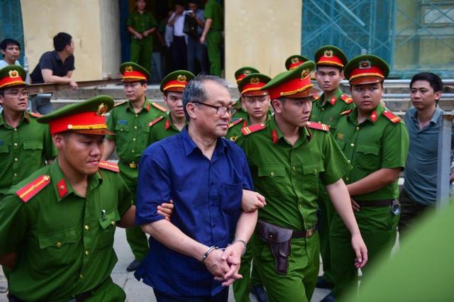 Xét xử Phạm Công Danh sáng 27/1: Đại diện VKS giữ quan điểm ông Trầm Bê và Phan Huy Khang là đồng phạm giúp sức ông Danh