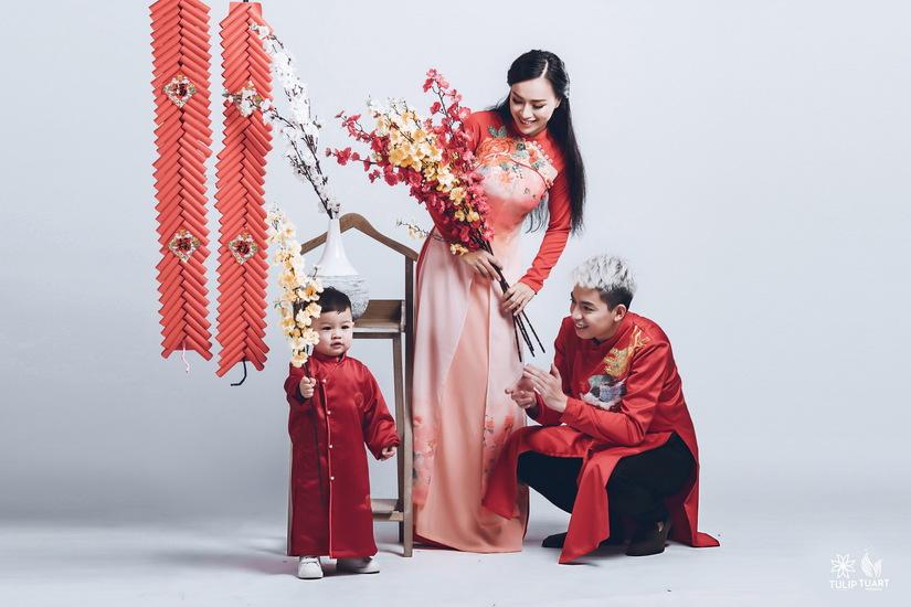 Bộ ảnh đón xuân đẹp mê ly của gia đình nữ DJ nóng bỏng3