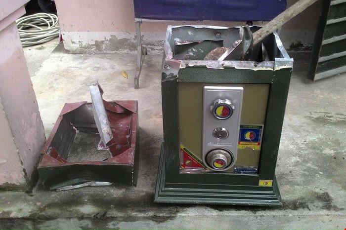 Cặp siêu trộm phá két sắt lấy gần 600 triệu đồng