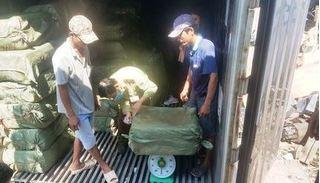Phát hiện gần 10 tấn nầm heo thối chuẩn bị được bán cho các nhà hàng