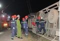Quảng Trị: Xe container lật, đè chết hai phụ nữ đi đường