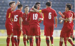 Vào TP HCM giao lưu, tuyển U23 Việt Nam tiếp tục nhận