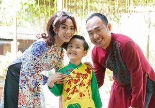 Gia đình nhà Thu Trang - Tiến Luật rạng rỡ diện áo dài đón Tết