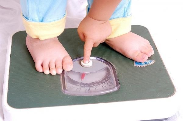 Mẹ chăm con theo cách này để trẻ tăng cân đều và luôn khỏe mạnh2