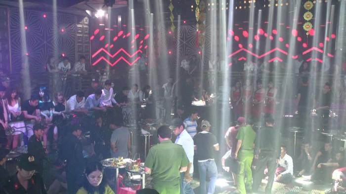 Tiền Giang: Bắt 50 dân chơi phê ma túy tại vũ trường New Club