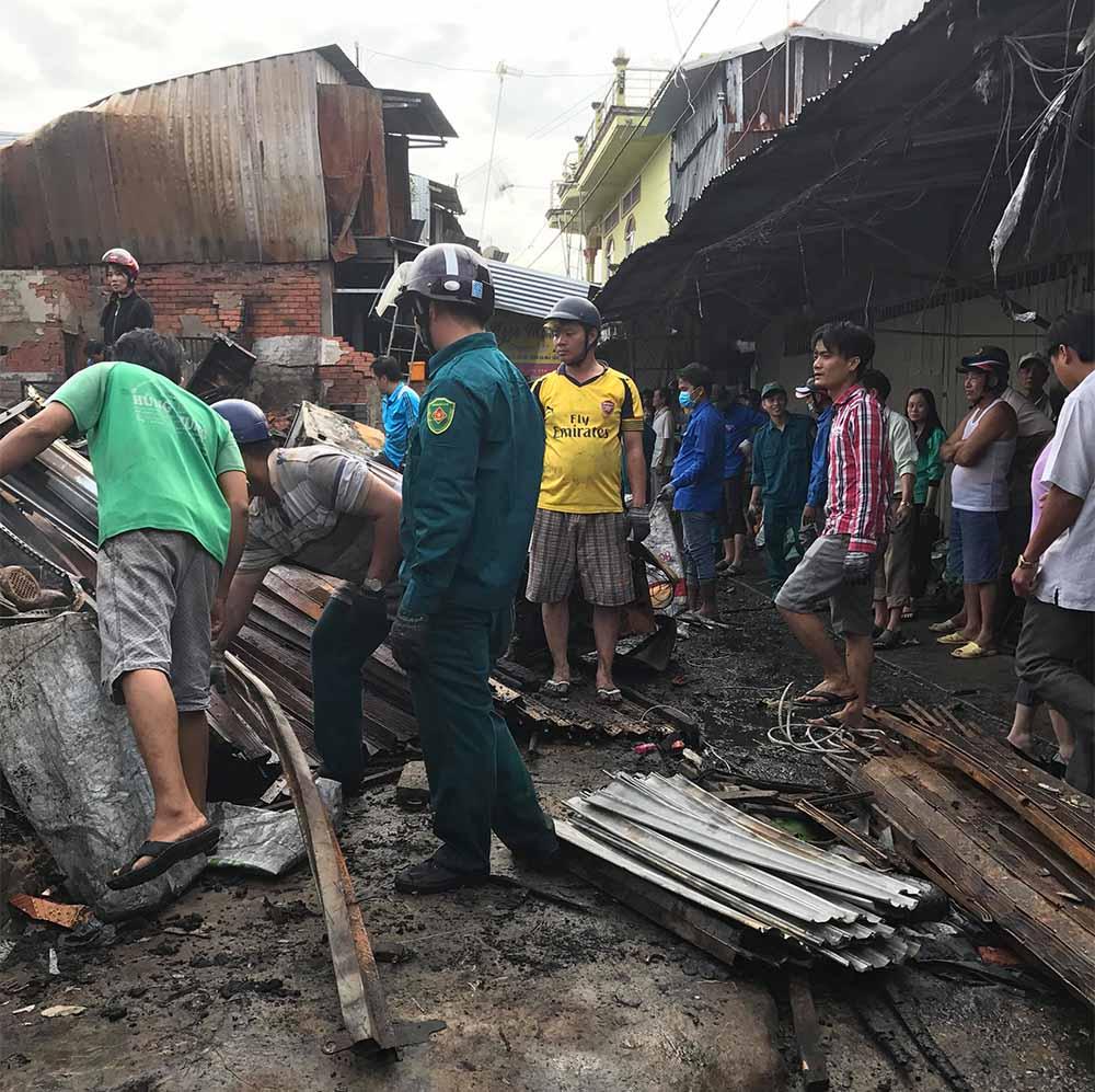Cháy chợ kinh hoàng ở Cà Mau, hai vợ chồng chết cháy dịp cận Tết