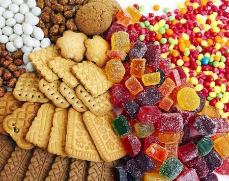 Những thực phẩm mẹ nên hạn chế cho bé ăn trong dịp Tết