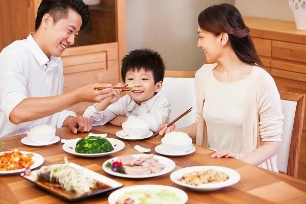 Những món dinh dưỡng giúp trẻ ăn cơm ngon trong 3 ngày Tết
