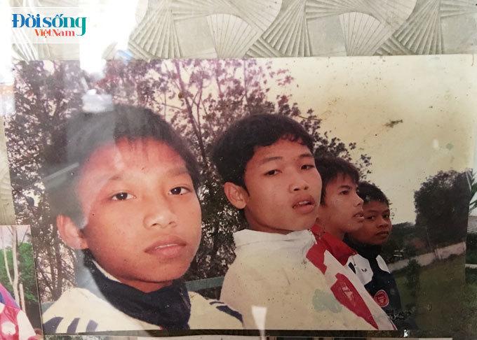 Lộ hình ảnh thời thơ ấu cực đáng yêu của hậu vệ Vũ Văn Thanh17