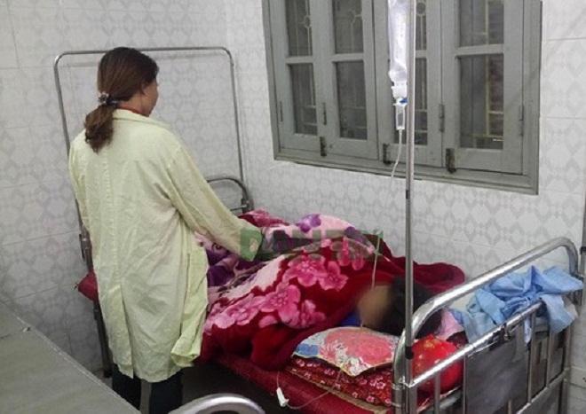 Bé gái 10 tuổi bị hiếp dâm ở Hòa Bình suýt bị chết cháy
