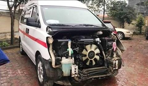 Nghệ An: Lái xe cứu thương bỏ mặc nạn nhân sau khi gây tai nạn