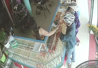 Bến Tre: Bắt tên cướp tiệm vàng táo tợn giữa ban ngày