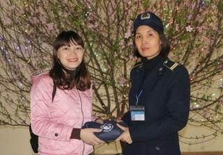Quảng Ninh: Bảo vệ bệnh viện trả 19 triệu đồng cho người mất