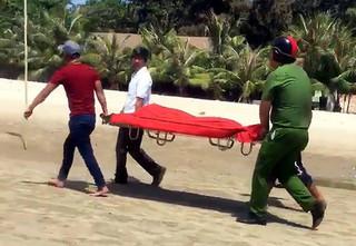10 ni cô tắm biển, 3 người bị đuối nước tử vong tại Bà Rịa - Vũng Tàu