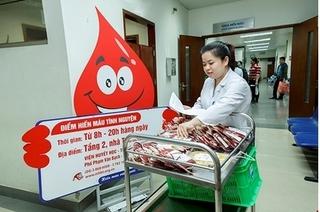 Hàng ngàn cán bộ hiến máu khai xuân Mậu Tuất tại Viện Huyết học - Truyền máu Trung ương
