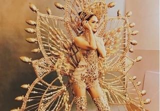 Hương Giang Idol mang trang phục nặng 55kg thi hoa hậu chuyển giới