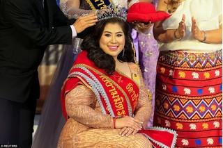 Lạ đời cuộc thi Hoa hậu ngoại cỡ, tôn vinh những cô gái