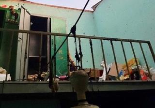 Đi vệ sinh hút thuốc làm hầm cầu phát nổ, 4 người một nhà bị thương