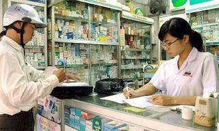 Từ hôm nay 1/3, cha mẹ phải khai cả CMND khi mua thuốc cho con