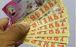 Trưởng Ban Tuyên giáo tặng vé số dịp 8-3, nhân viên trúng giải 4,8 tỉ đồng