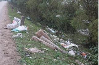 Chùm ảnh rác thải gây mất vệ sinh tại huyện Ý Yên, Nam Định
