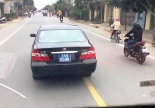 Nam Định: Truy tìm xe ô tô biển xanh lạng lách, đánh võng trên đường