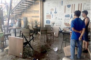 Hỗn chiến tại quán cà phê ở Sài Gòn, khách tá hỏa chạy thoát thân