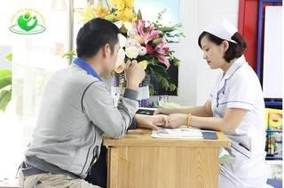 Đang khám, tư vấn miễn phí cho các cặp vợ chồng hiếm muộn tại BV Phụ sản Hà Nội