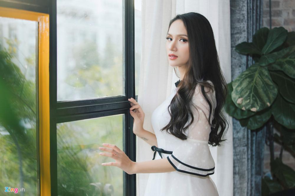 tân hoa hậu chuyển giới quốc tế Hương Giang về nước trả lời phỏng vấn 2