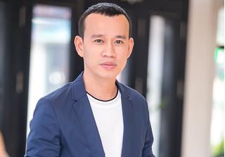Ông bầu Phúc Nguyễn: 'Mẫu nam biết giới tính và điều kiện của tôi'